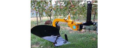 aratro-monovomere-trattore-attrezzi-agricoli-calandrini-savignano-sul-rubicone